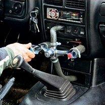 Умельцы ремонтируют авто