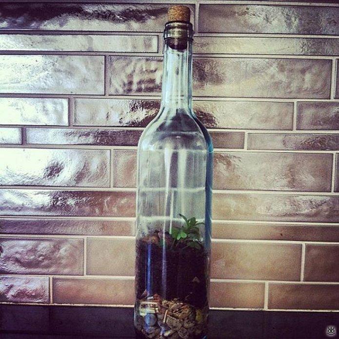 Стеклянные бутылки в интерьере 5