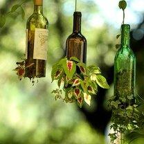 Стеклянные бутылки в интерьере фото