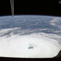 Ураганы из космоса фото