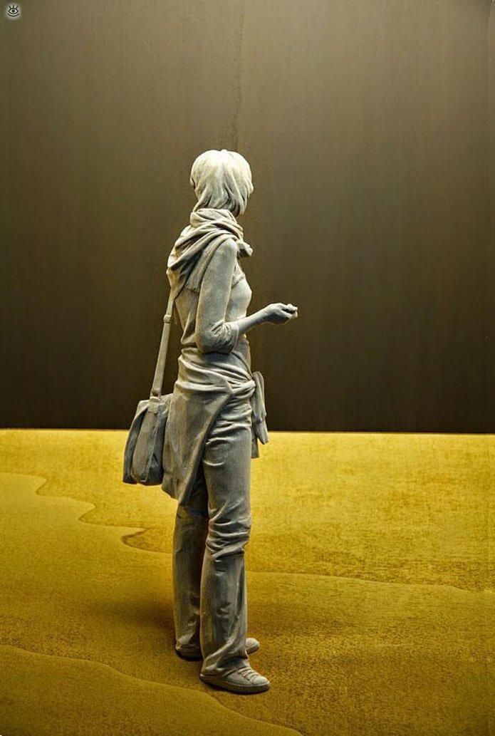 Удивительные деревянные скульптуры 8