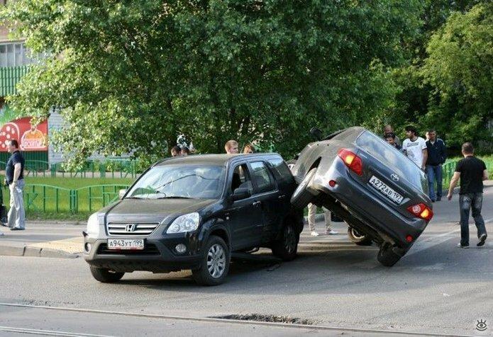Казусные дорожно-транспортные происшествия 13