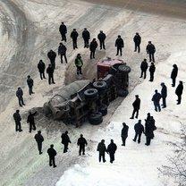 Фото приколы Казусные дорожно-транспортные происшествия (35 фото)