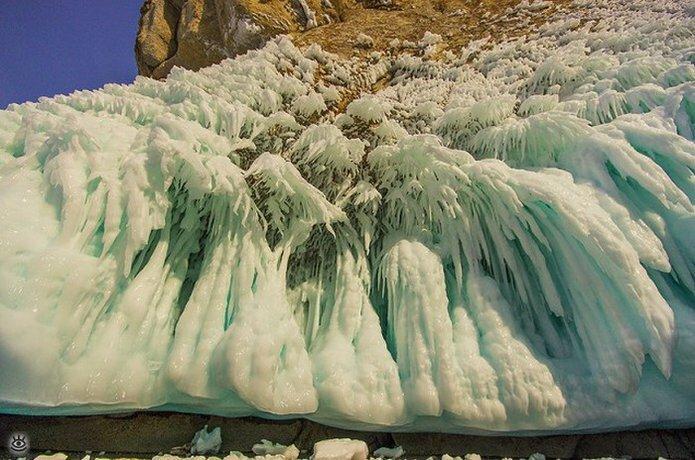 Озеро Байкал зимой 4