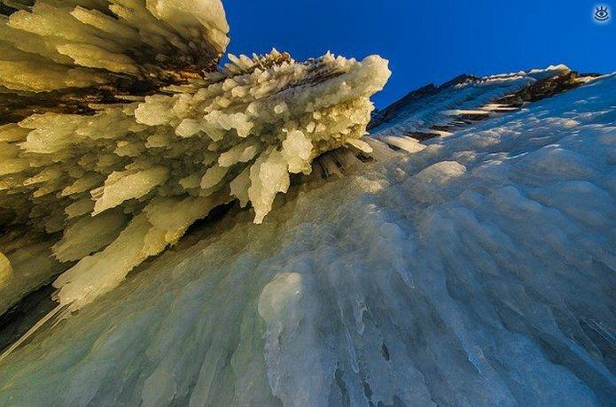 Озеро Байкал зимой 5