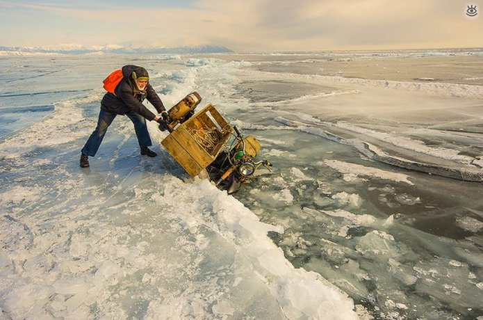 Озеро Байкал зимой 13