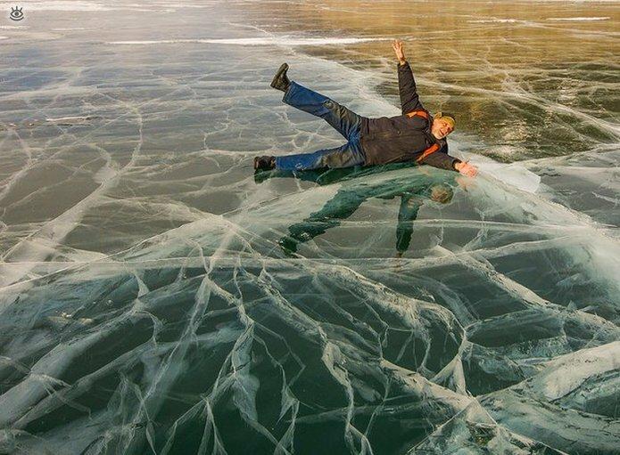 Озеро Байкал зимой 16