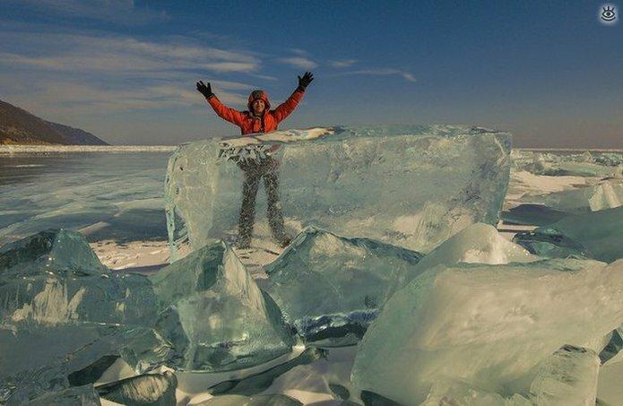 Озеро Байкал зимой 21