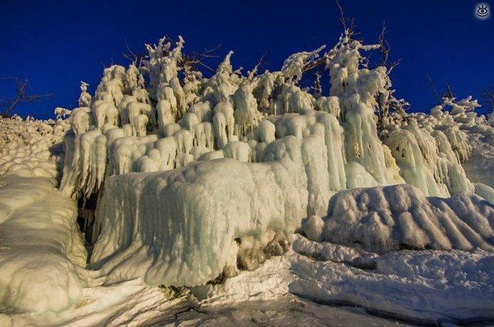 Озеро Байкал зимой 22