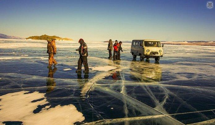 Озеро Байкал зимой 32