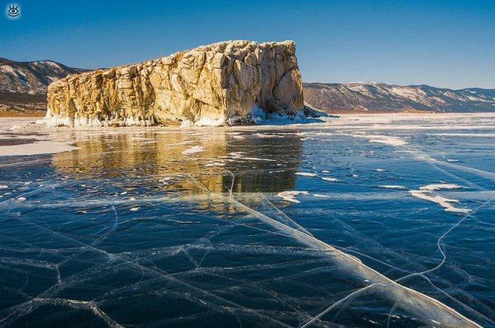 Озеро Байкал зимой 34