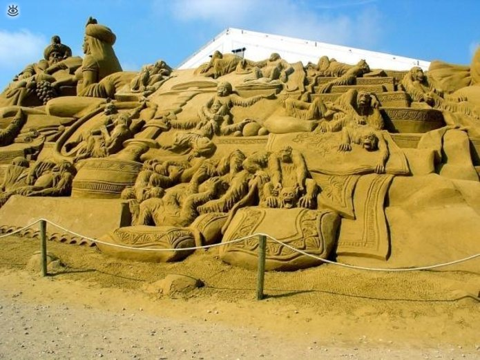 Виртуозные скульптуры из песка 4