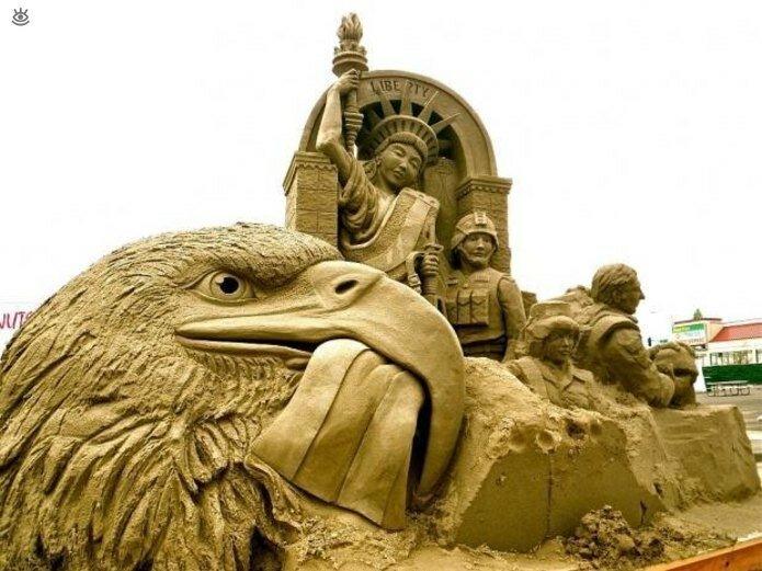 Виртуозные скульптуры из песка 7