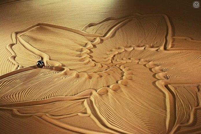 Виртуозные скульптуры из песка 8