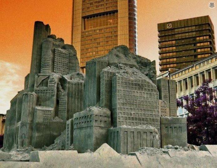 Виртуозные скульптуры из песка 18