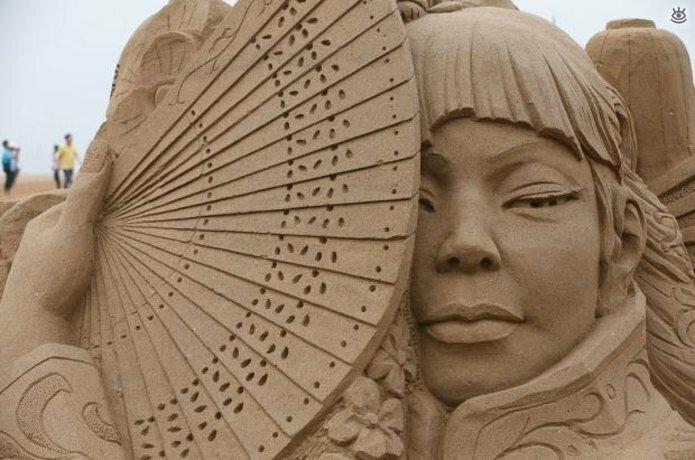 Виртуозные скульптуры из песка 19