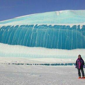 Фото приколы Ледник, похожий на волну цунами (7 фото)
