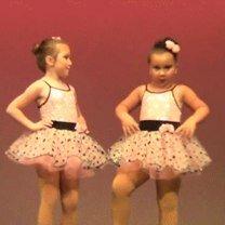 Смешные танцоры в гифках