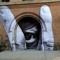 Масштабные уличные рисунки фото