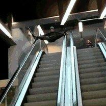 Живые курьёзы на эскалаторе фото приколы