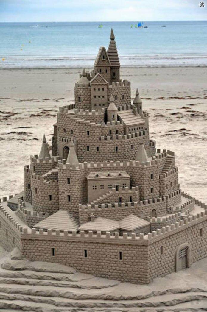 Грандиозные скульптуры из песка 7