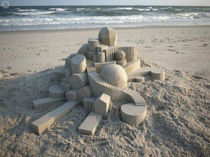 Грандиозные скульптуры из песка 10