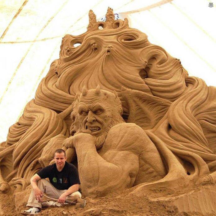 Грандиозные скульптуры из песка 16