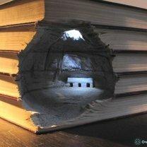 Скульптуры из книг фото