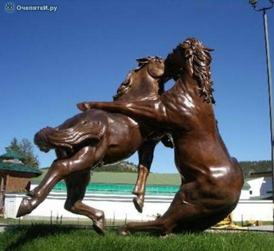 Самые неординарные скульптуры 11