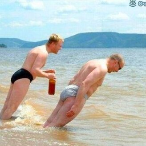 На пляже фото приколы