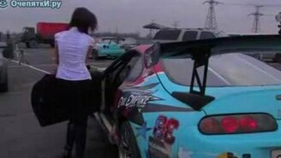 Девушка в Тойоте Супра смотреть видео прикол - 0:46