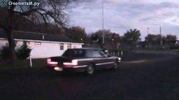 Смотреть Прыжок чере авто не удался