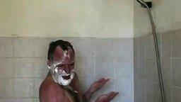 Смотреть Певец в ванной