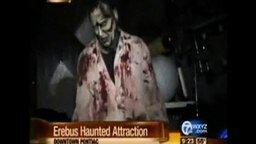 Смотреть Нападение зомби на репортёршу