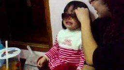 Как успокоить девчонку смотреть видео прикол - 0:24