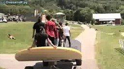 Самый большой скейтборд смотреть видео прикол - 1:42