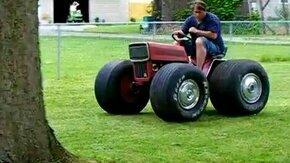 Мини трактор смотреть видео прикол - 0:34