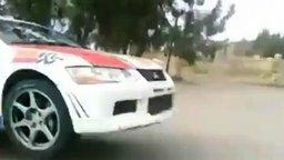 Опасный гонщик счастливчик смотреть видео прикол - 0:36