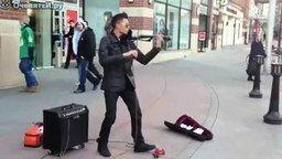Смотреть Уличный скрипач