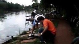 Смотреть Пощёчина рыбакам