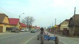 Смотреть Отличный прицеп для велосипеда