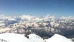 Смотреть На вершине Эльбрус