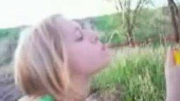 Суровая девочка с петардой смотреть видео прикол - 0:22