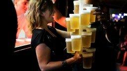 Быстрый способ разноса пива смотреть видео - 1:20