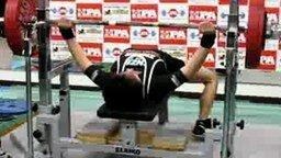 Смотреть Жим в 185 кг при весе 58 кг
