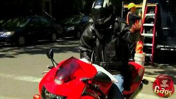 Мотоциклист без головы смотреть видео прикол - 1:09