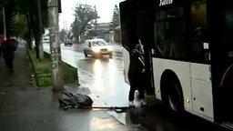 Смотреть Перегруз в автобусе