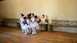 Смотреть Танец самых маленьких лебедей