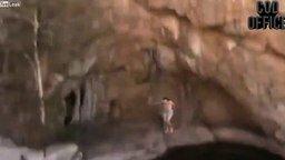 Безумный прыжок в озеро смотреть видео прикол - 0:15