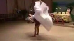 Невеста в ударе смотреть видео прикол - 2:05